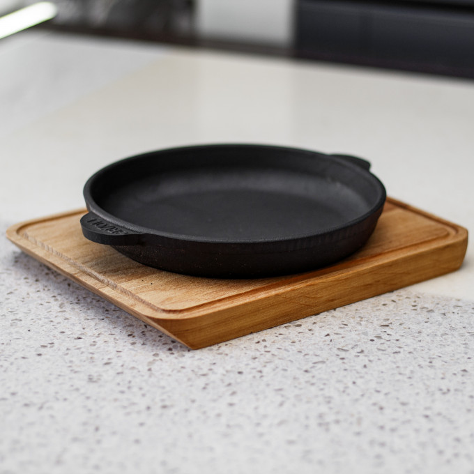 Сковорода для подачи 160х25 с дощечкой  BRIZOLL